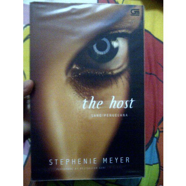 [Preloved] THE HOST / Stephenie Meyer / 2009