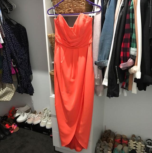 Sheike Strapless Dress with leg slit