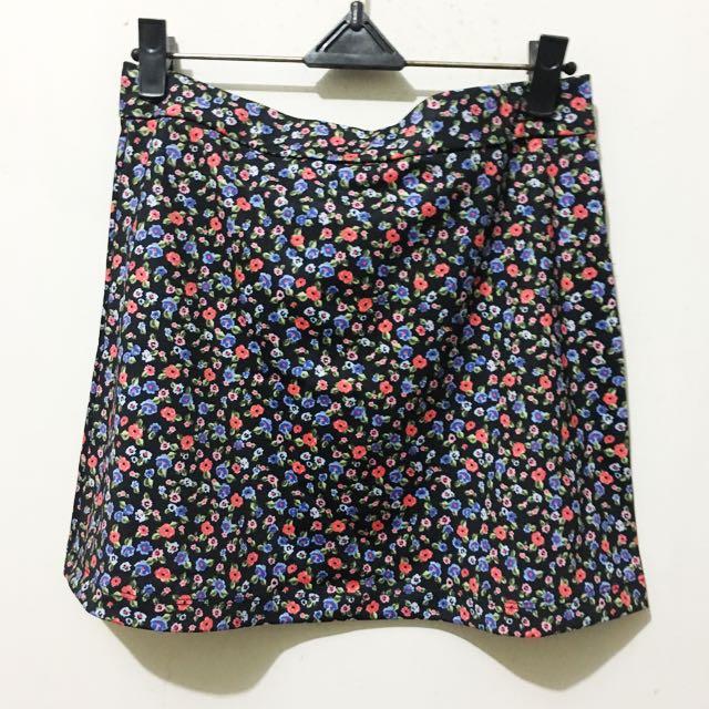 Short Skirt Floral Black - Forever 21