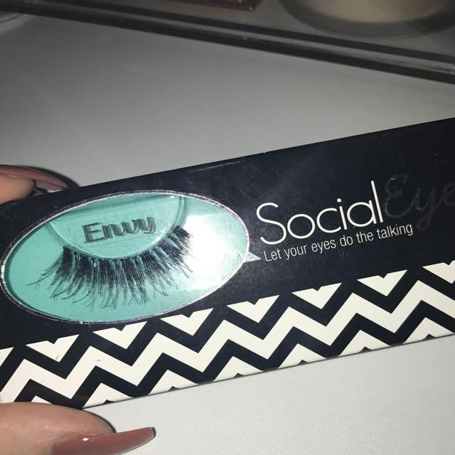 "Social Eyes ""Envy"" Lashes"