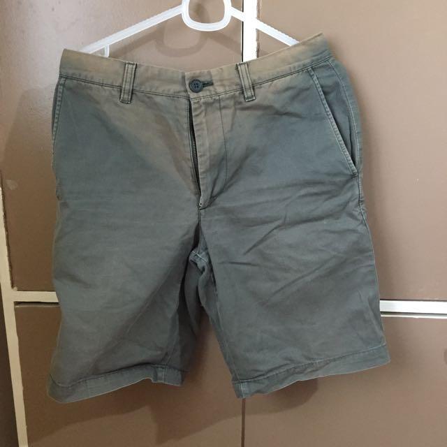 STEAL Original Uniqlo Chino Shorts