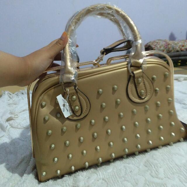 Valentino Garavani Tas Hand Bag Wanita