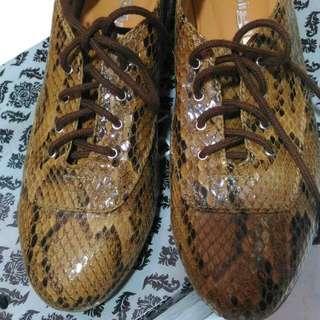 REPRICED!!! Gibi Snake Design Shoes