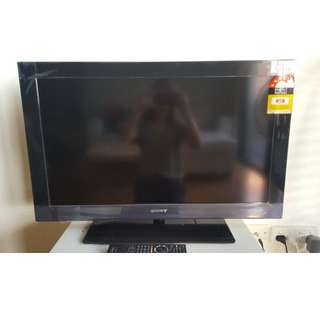 BRAVIA Sony TV (Hardly used as good as new!)