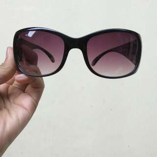 Kacamata Eksklusif Oriflame