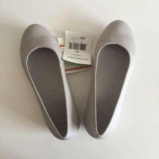 New Crocs Shoes W7