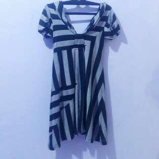 (X) S.M.L Dress