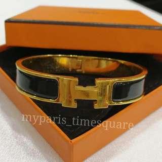 Hermes Narrow Bracelet In Black Enamel Gold Plated Hardware  GM