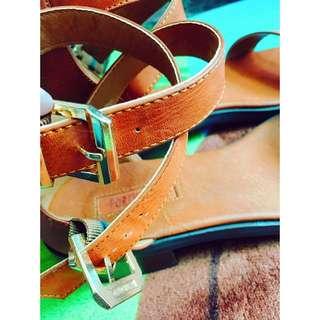 Forever 21 橘褐色金釦拉鏈低跟露趾鞋