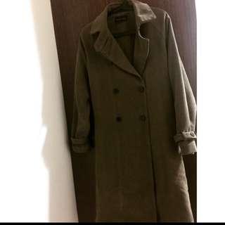 軍綠色鋪毛長版大衣