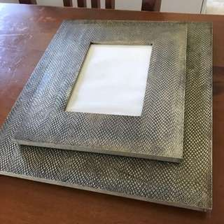 2x Gold Detailed Photo Frames