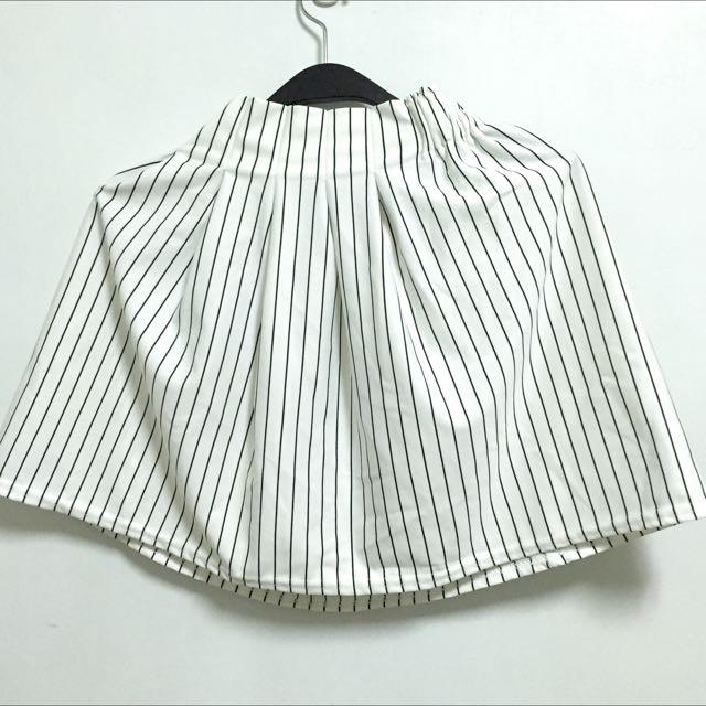 直紋白裙 短裙 9成新 Miustar