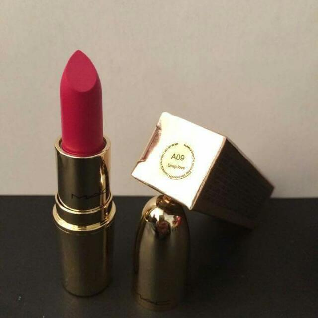 A09 DEEP LOVE  MAC LUSTRE LIPSTICK