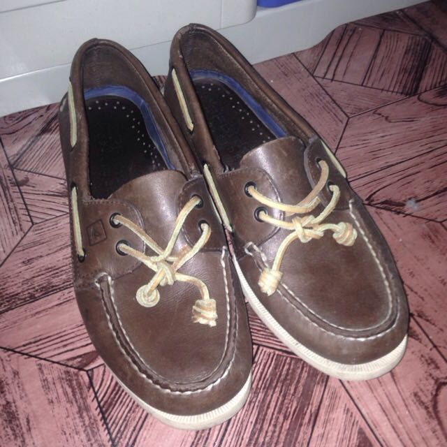 AUTHENTIC SPERRY