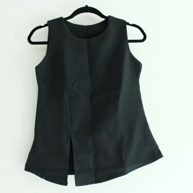 *NEW* Black Sleeveless Top With Cutout