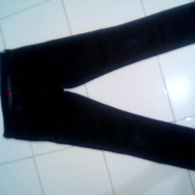 Celana Jeans Uniqlo S000