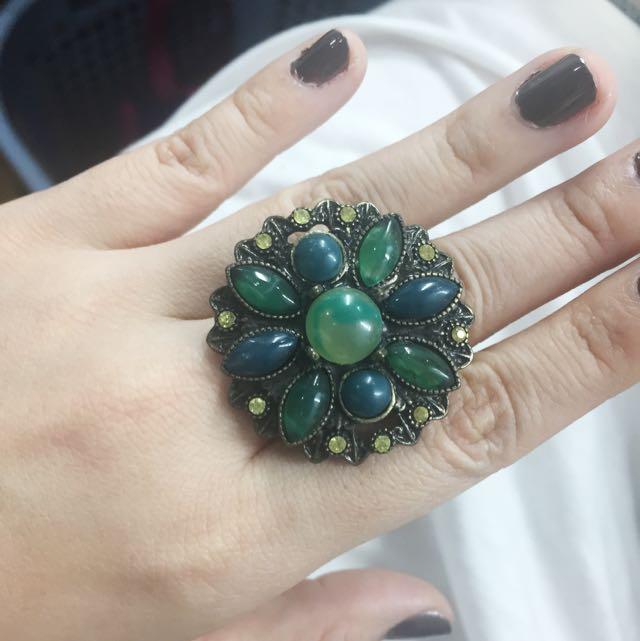 Cincin Hijau Emerald