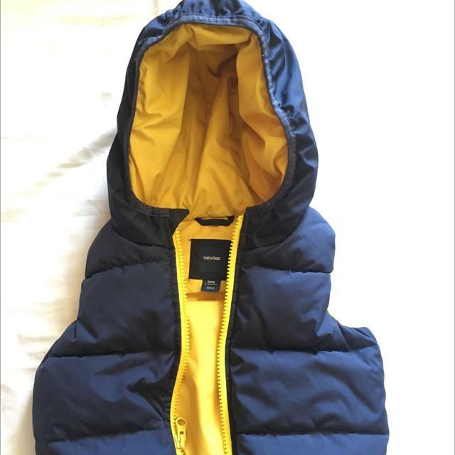 Gap baby vest - size 6-12 months