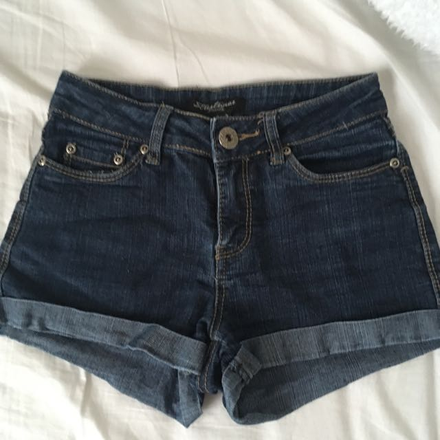 Highwaisted Denim Shorts