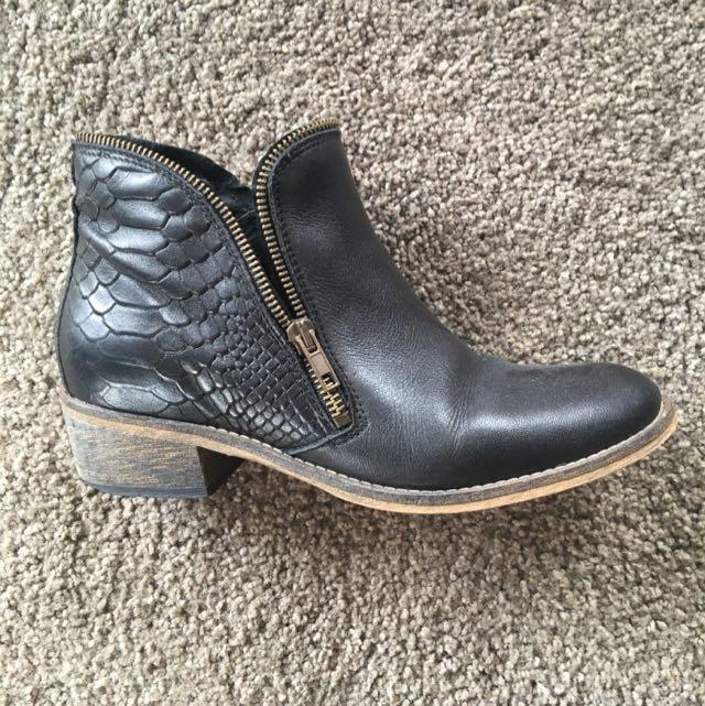 Isabella Anselmi Boots