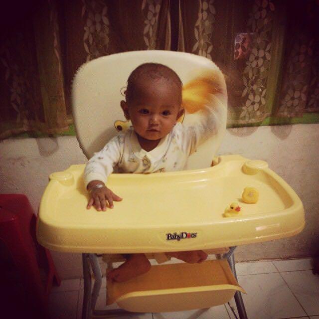 Meja Makan Baby Baby Does