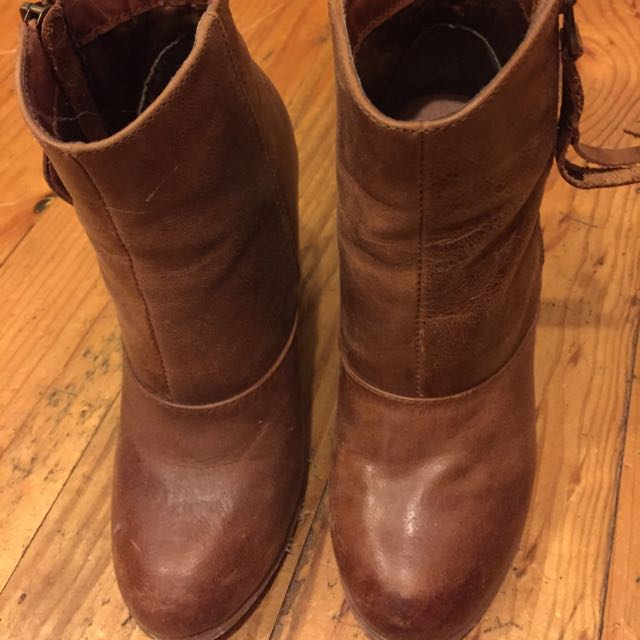 Novo Brown Boots