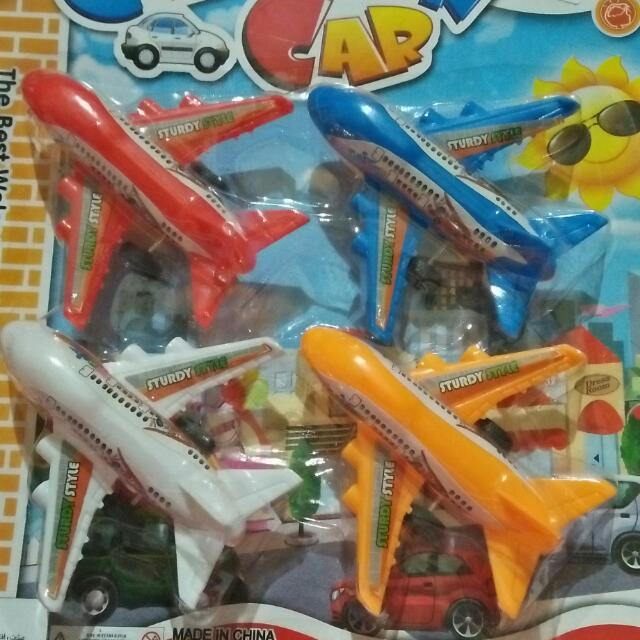 pesawat Mainan