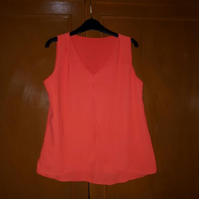 Red Sleeveless Top