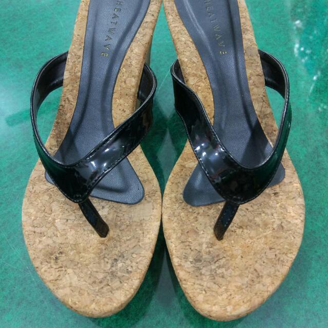 Sandal Heatwave.Preloved