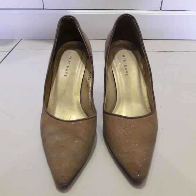 Sepatu merk Heatwave - warna Cream ada Glitter - Size 4 atau 35 - Tinggi Heels 7 cm