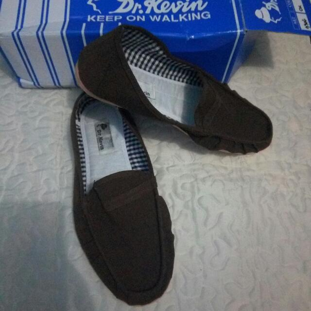 Sepatu Slip On Pria
