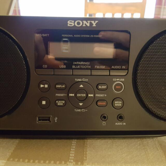 Sony ZSRS60BT Bluetooth/NFC Boombox With Radio and CD Player!
