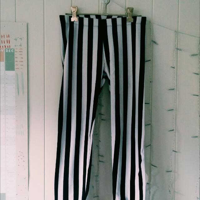 Sportsgirl 'Beetlejuice' Striped Leggings