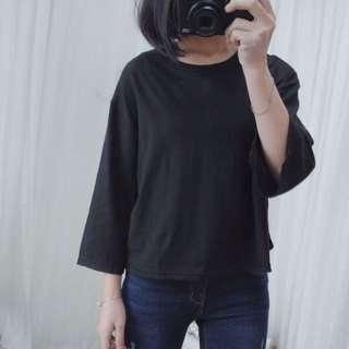 全新寬版黑色上衣