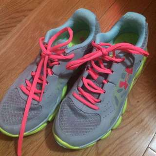 Under Armour running/training shoes