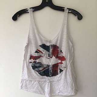 White Tank W/ Uk Lips Sm