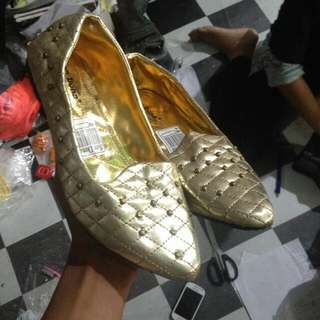 Flaf Shoes Gold