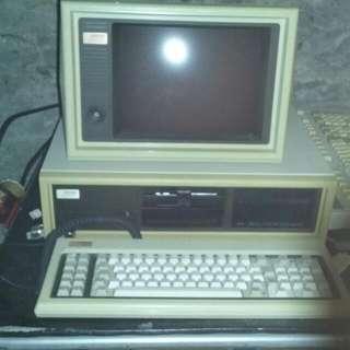 1980's COMPAQ DESKPRO COMPUTER