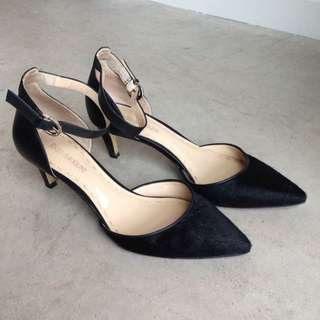 Enzo Angiolini Leather Heels With A Fur Toe
