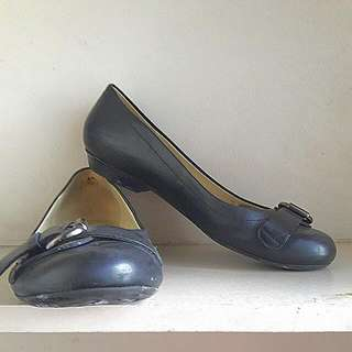 Naturalizer N5 Comfort Black Flats