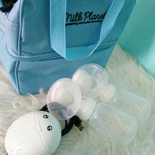 Real Bubee Breastpump with cooler bag