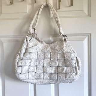 #under20 Handbag