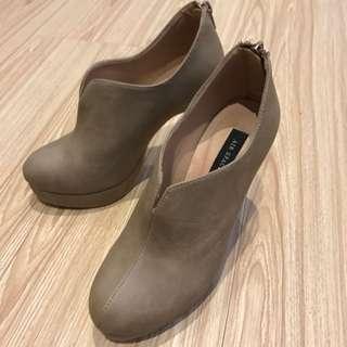 🚚 Air Space裸靴