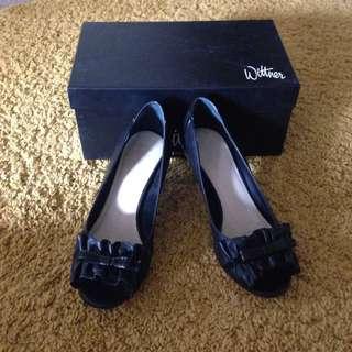 Wittner Black Kitten Heels