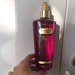 Victoria Secret - Passionate Kisses