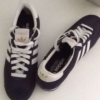 *Reduced Price* Adidas Dragon Trainers