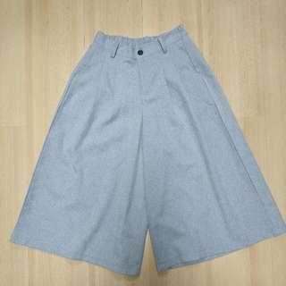打摺灰色八分寬褲