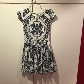 Navy/white Patterned Dress Size8