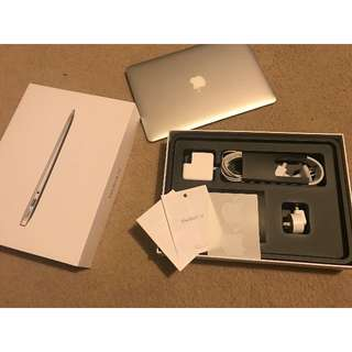 """2014 Apple Macbook Air 13"""" A1466 - As New - With Free Gift"""