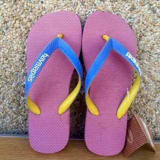 Original overun havaianas slippets with tag and box